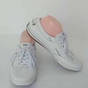 Meds ortholite white leather tennis shoes size 9.5